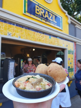 Brazil Seafood Stew - 7/10 Cheese Bread - 200/10